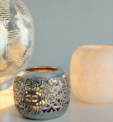 Bougeoirs et chandeliers et lanternes de Ghalia